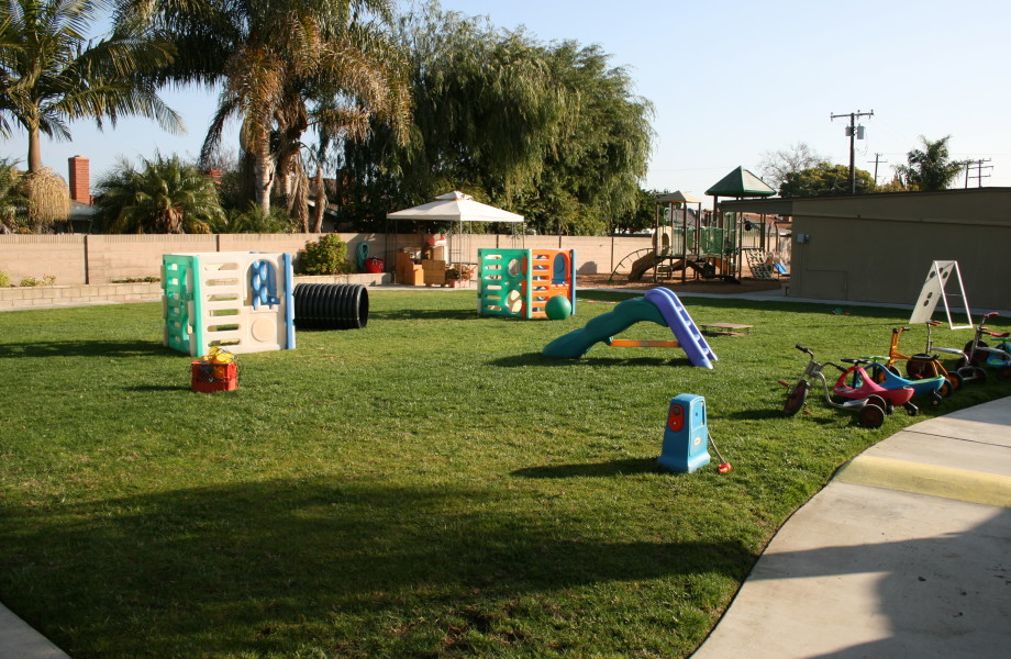 Play Yard View 2